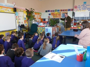 Willie Wilson introduces the project to Kinross Primary School pupils