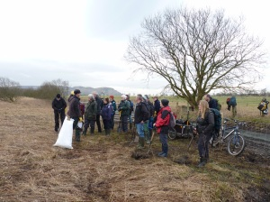 Neil introduces Wednesday's group of volunteers to the task in hand